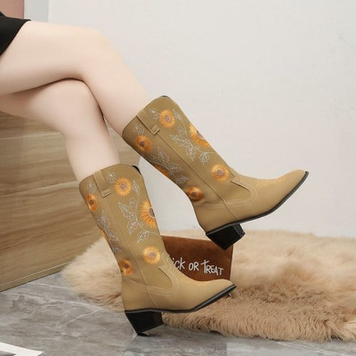 2021 New Women's Fashion  Embroidered National Style Thick Heel Pointed Casual Women's Boots Middle Tube Fashion Boots