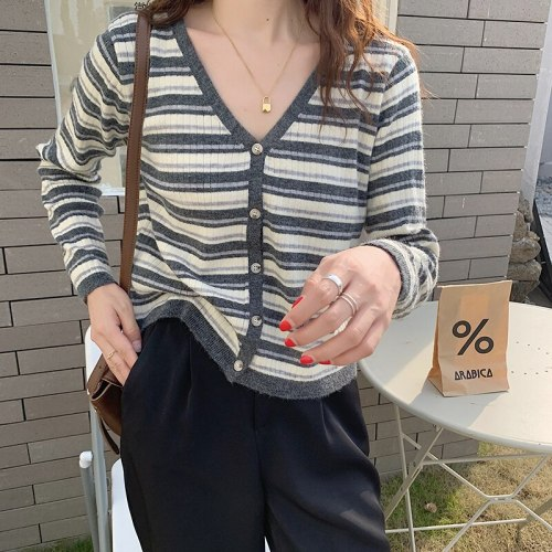 2021 Hot Autumn Ladies Sweater Single-Breasted V-Neck Striped Vintage All-Match Knit Fashion Casual Gentle Cardigan