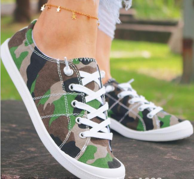 New Fashion Low-top Canvas Shoes Flat Casual Comfortable Student Sneakers One-foot Lazy Student Shoes Women's Vulcanized Shoes