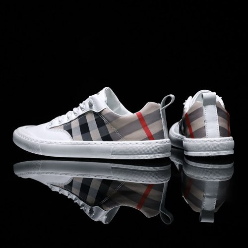 Fashion Mens Breathable Skateboard Shoes Men Fashion Sneakers High Quality Men Vulcanize Canvas Shoes Casual Male Footwear