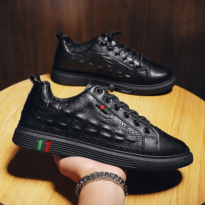 New 2021 Men Vulcanize Shoes High Quality Sneakers Men Leather  Shoes Fashion Sneakers Male Lightweight Rubber Shoes