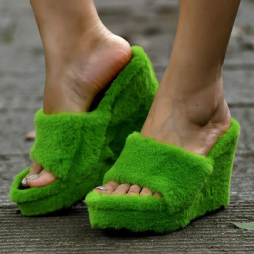 Faux Fur Home Slippers Fluffy Women Slides Comfort Furry Flat Sandals Female Cute Slippers Shoes For Woman Indoor Flip Flops