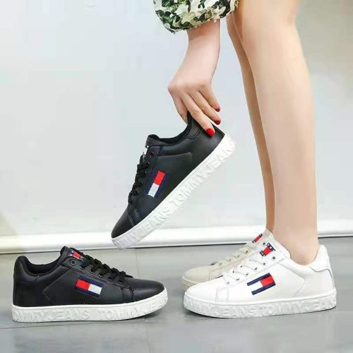 2021 Women Shoes Spring Autumn Leisure Imitation Leather Flat Shoes Lace-up Low Top Womens Sneakers Couple Chunky Leisure Shoes