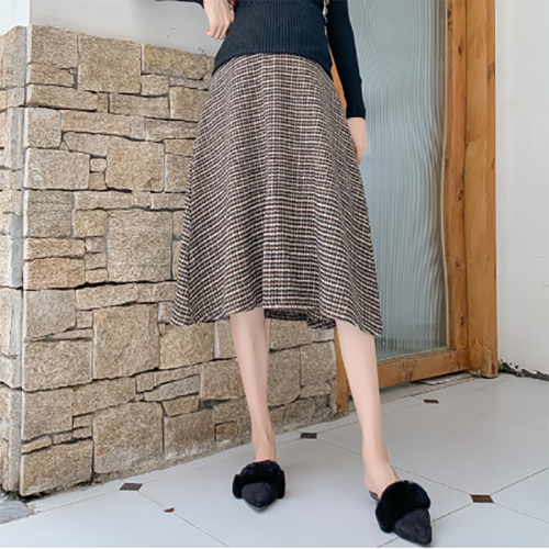 Maternity classic plaid maternity skirt