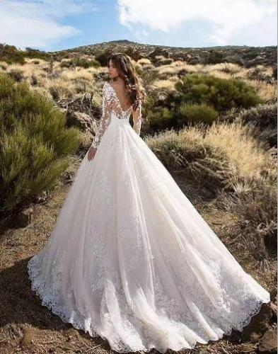 2020 New  Classic Lace Mop Back Wedding Dress Long Skirt