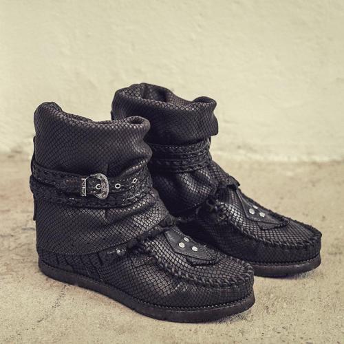 Women's  Tassel Rivet Suede Boots