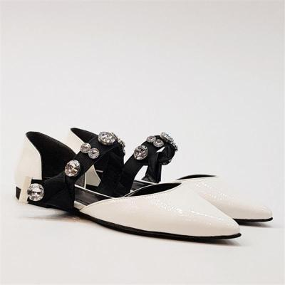 Diamond-Tipped Flat-Bottomed Hollow Shoes