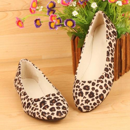 Woman Spring Flat Women Slip On Cloth Pointed Toe Shallow Boat Shoes Female Leopard Print Casual Shoes Soft Bottom Footwear