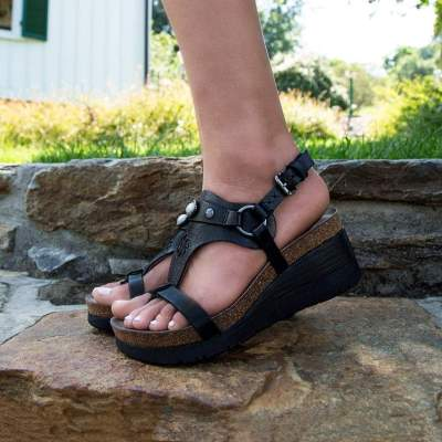 MAVERICK in NEW BLACK Wedge Sandals
