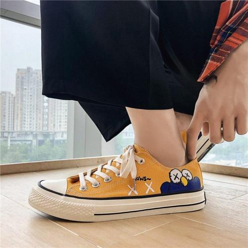 Hand-painted Women Sneakers Fashion White Graffiti Casual Canvas Shoes Low-top Four Seasons Classics Trainers Ladies Espadrilles