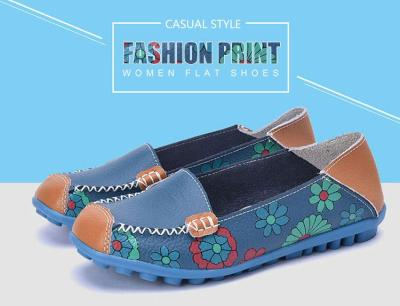 Women flat shoes 2020 fashion flower print casual shoes woman slip-on genuine leather flats female comfortable loafers plus size