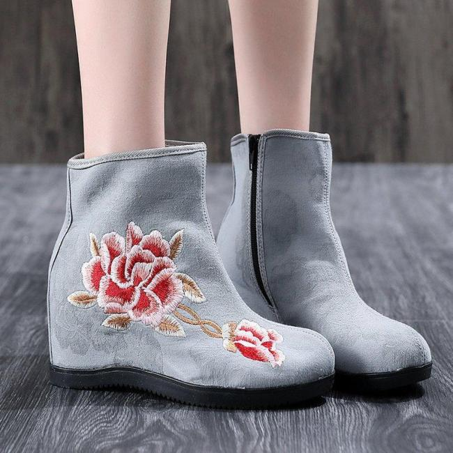 Women's casual embroidered zipper wedge boots