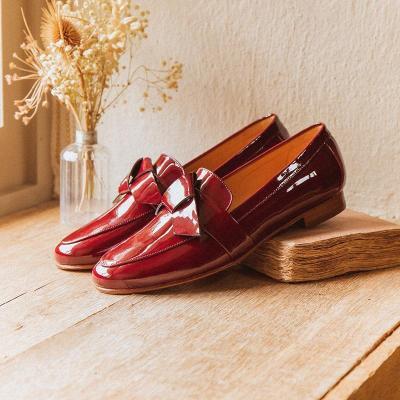 Women's fashion patent leather flat shoes