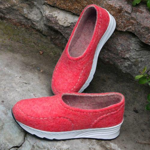 Women Winter Casual Slip-On Woolen Sneakers