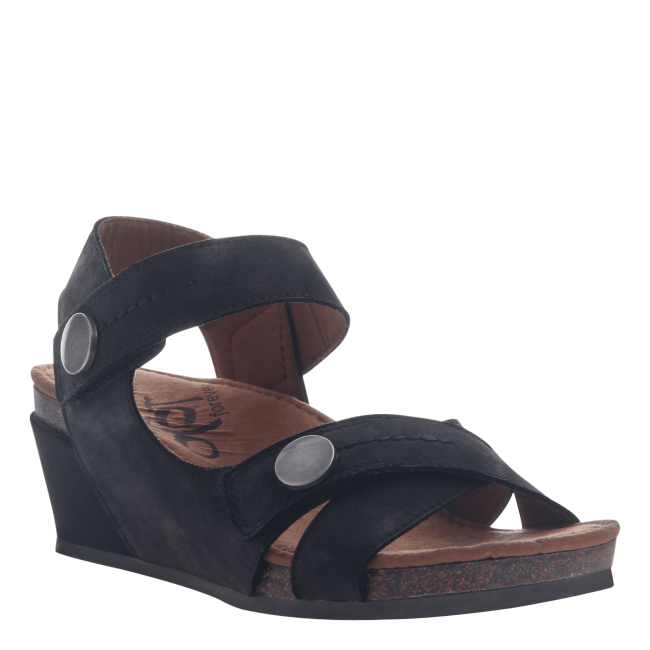 SANDEY in BLACK Wedge Sandals