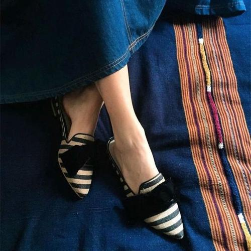 Pointed Striped Headband Wearing Sandals And Slippers