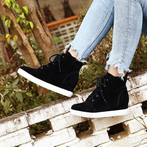Women's Athletic Block Heel Lace-Up All Season Boots