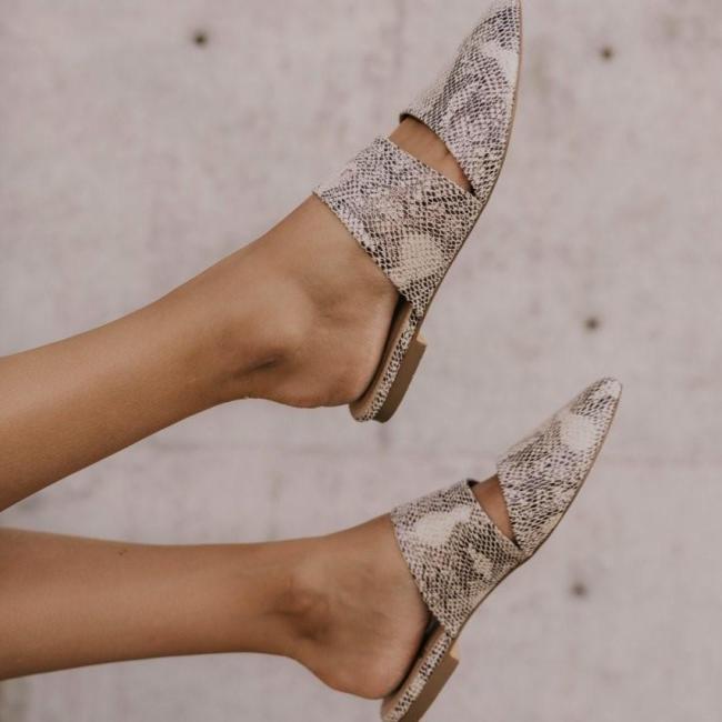 Women's Versatile Simple Pointed Flat Shoes