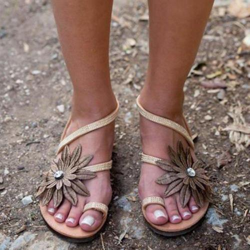 Women Fashion Style Flower Decoration Beach Sandals