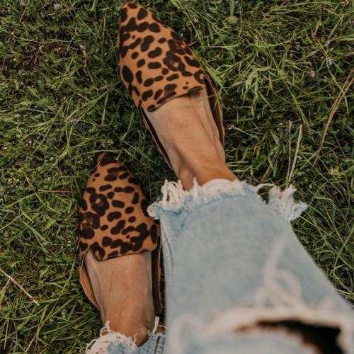 Ladies Fashion Leopard Print Pointed Head Leather Muller Shoes