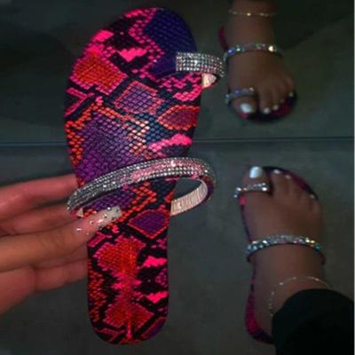 Women's Summer Slippers Woman Bling Crystal Clip Toe Women Casual Flat Flip Flops Ladies Beach Shoes Female Comfort 2020