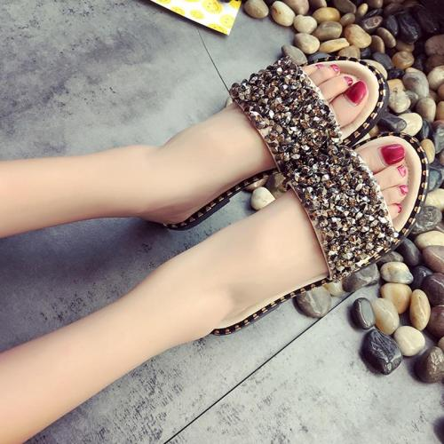 Women's Rivet Slippers Woman Summer Open Toe Flat Slides Female Slip On Ladies Casual Fashion 2020 New Style Comfortable Shoes