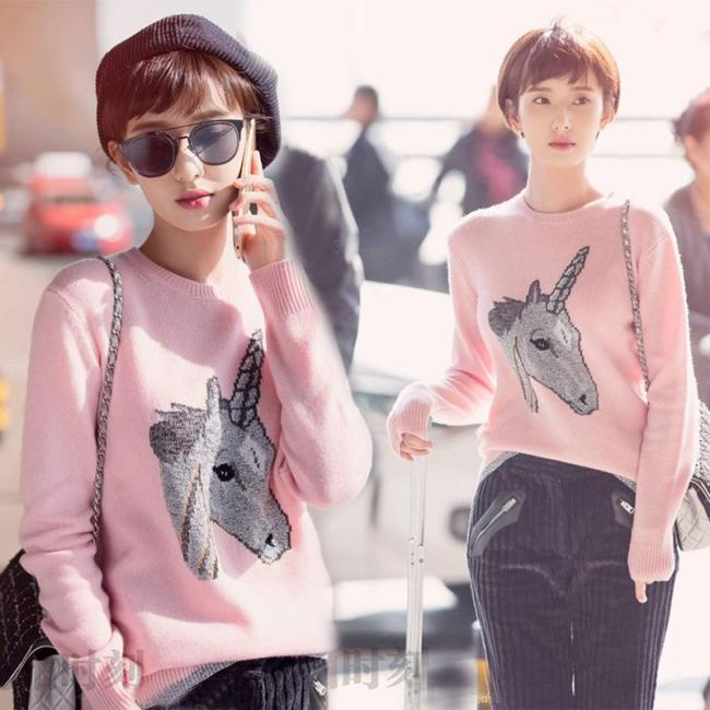 High Quality European Spring Sweet Pink Horsehead Unicorn O Neck Knitted Pullovers Sweaters Women New Fashion Streetwear 2020