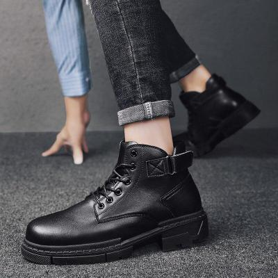 2020 Autumn and Winter Men's British Retro Martin Boots In The Non-slip Boots with Black Trend Men's Boots