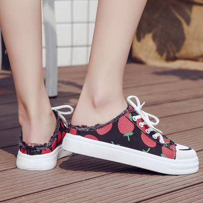 2020 High Quality Women Canvas Shoes Comfortable Vulcanize Sneakers Casual Half Slippers Strawberry Print Tenis Feminino W31-64