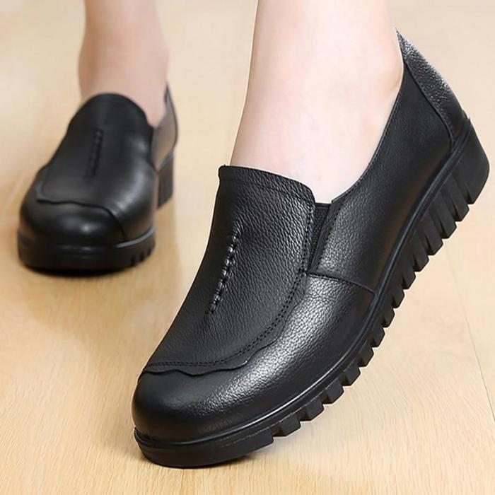 Women's Shoes Made of Genuine leather Large size 4.5-9 Slip-on Flat shoes women Damping Non-slip Flat shoes 2019 News