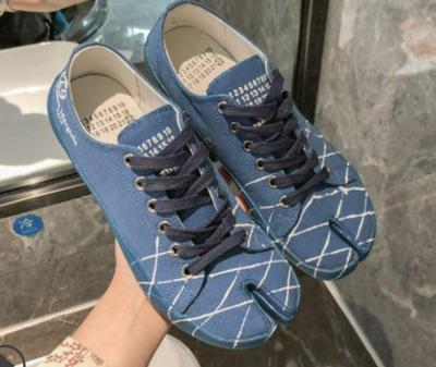 Womens Canvas Split Toe Lace Up Flats Shoes Printed Graffiti Sneakers Vintage Horse Shoes Casual