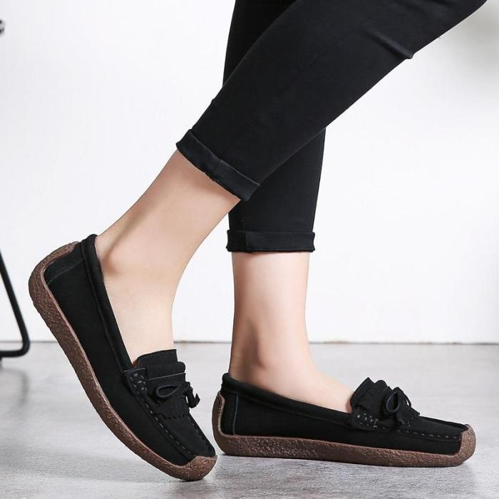 2020 New Big size 42 Women Flat Shoes Flock Tassel Slip on Butterfly-knot Loafers for Girls Light Weight Women casual shoes