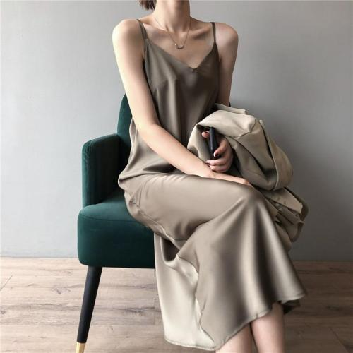 New Arrival Women V-Neck Sleeveless Women Dress Y5702 Vintage Satin Summer Long Dress Boho Elegant Women Casual Dress Vestidos