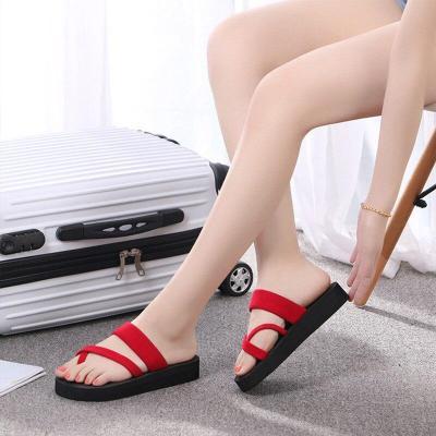 2019 New Summer Women Slippers Flip Flops Non-Slip Shoes Light Platform Comfortable Female Fashion Outdoor Beach Slippers Ladies