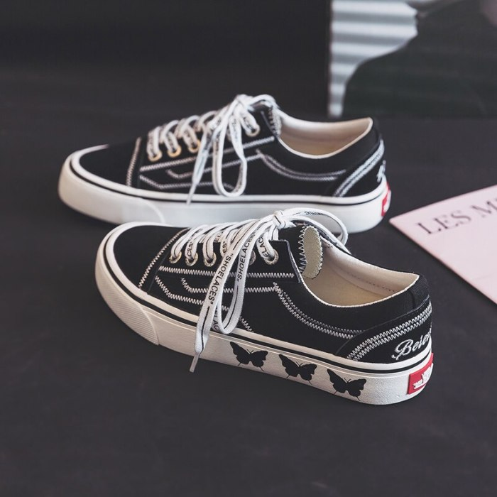 Girls Gumshoes Butterfly Low Top Lace Up Beige Black Women Canvas Shoes Casual 2021 New Spring Summer Sneakers Trainers 35-40