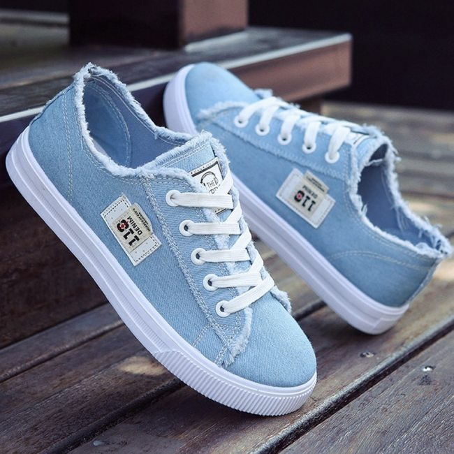 Large size Sneakers women Casual shoes Canvas Shoes Ladies Lace Up Sneakers Trainers Non-slip Tenis feminino 2020