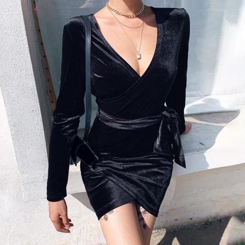 Fashion solid color V-neck velvet long-sleeved lace-up hip dress
