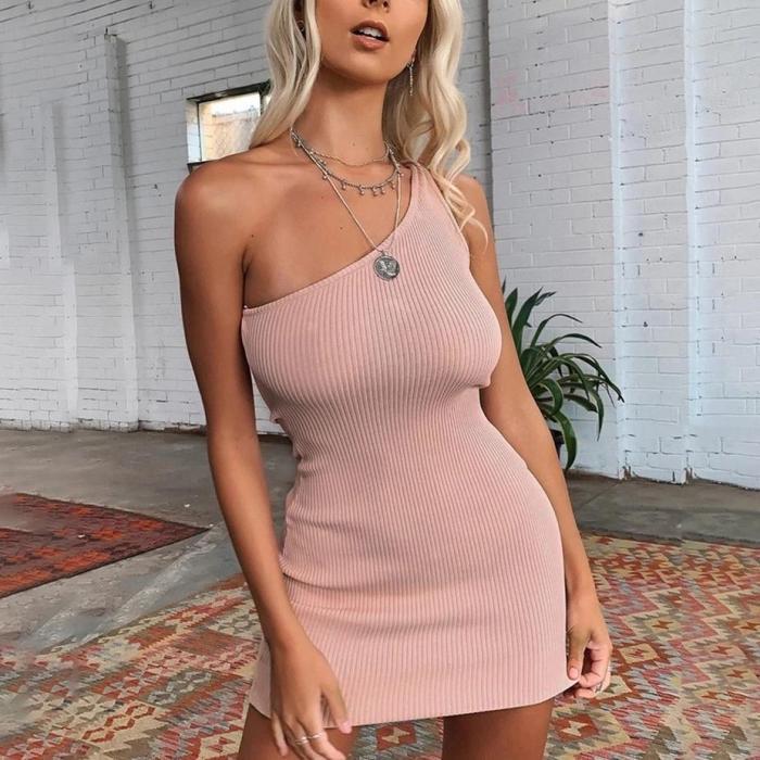 SEXY TEMPERAMENT OBLIQUE SHOULDER SKINNY HIP DRESS