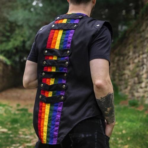 Fashion color matching men's button vest