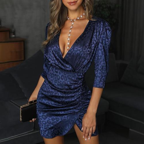 Sexy deep V-neck print pleated dress