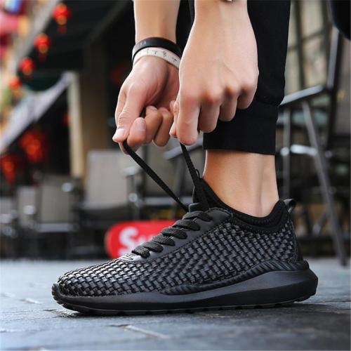 Soft and comfortable breathable woven couple sneakers