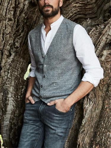 Men's Fashion V-neck Cardigan Solid Color Vest