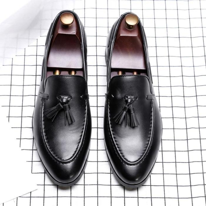 Pointed Toe Tassels Loafers
