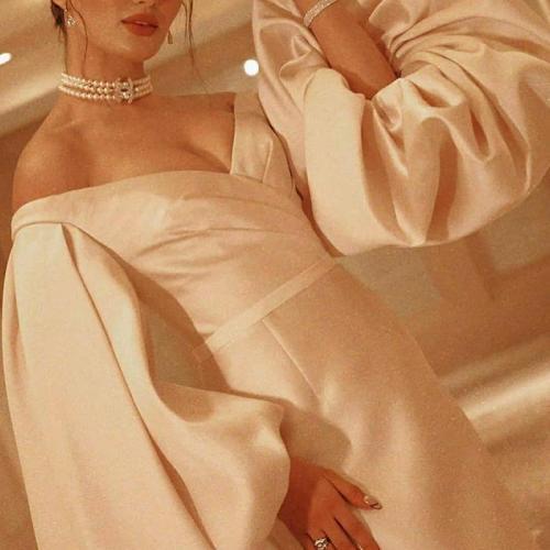 Women's Elegant Deep V-Neck Pure Color Bishop SleeveEvening Dress