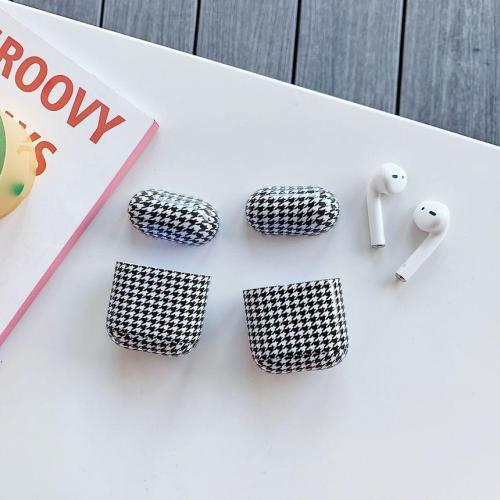 Houndstooth AirPod Case Cover