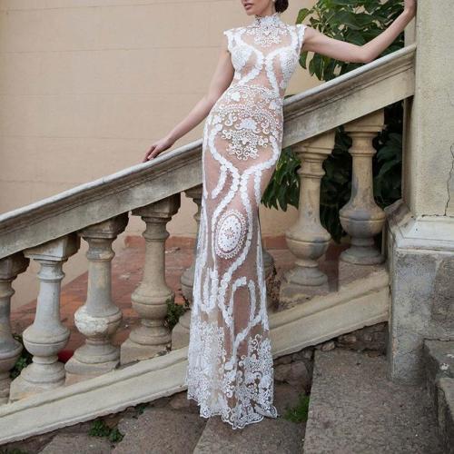 Sexy Elegant Sleeveless Lace Round Neck Evening Dress