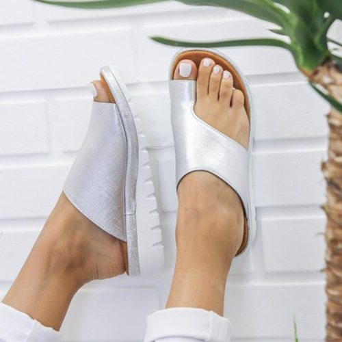 2021 Women Leather Slippers Comfy Platform Flat Ladies Casual Soft Clip Toe Foot Correction Sandal Orthopedic Bunion Corrector