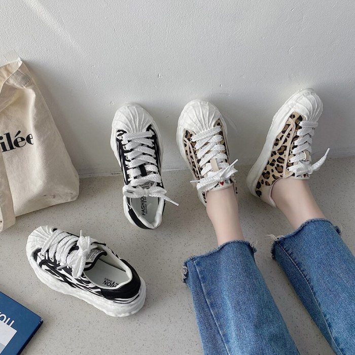 Casual Woman Shoe Shallow Mouth Female Footwear Round Toe All-Match Modis Espadrilles Platform New Small Dress Summer Leopard