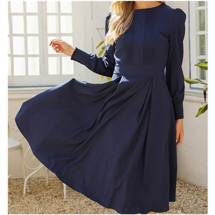 Autumn and winter new sexy round neck stitching button-shaped lantern long-sleeved women's dress
