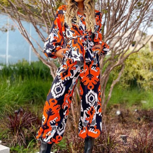 The new trend of 2021 national print women's long-sleeved V-neck blouse+loose casual pants ,Simple fashion and capable style.